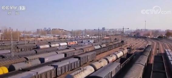 2020春运 各地春节物资运输进入高峰期